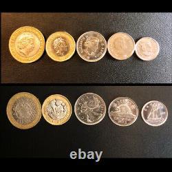 Queen Elizabeth II, 20 Pieces Banknote Album Set, UNC Currency / Coins